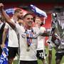 Sieg im Playoff-Final und Wiederaufstieg in die Premier League: Ausgelassener Jubel beim FC Fulham