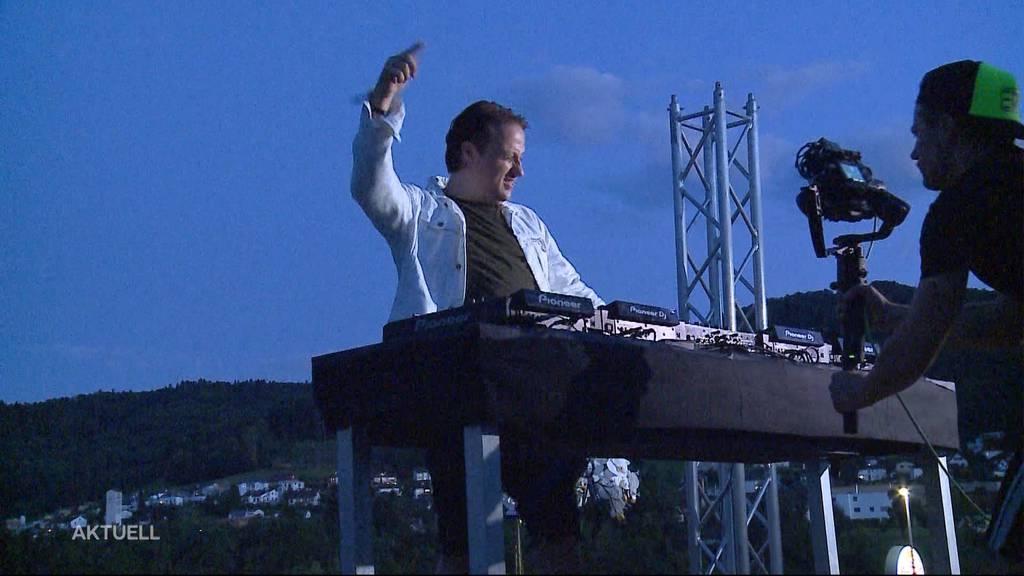 DJ «EDX» auf dem Fressbalken Würenlos: Risikofrei Party machen