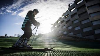 epa07364522 A skier at the Amager Bakke / Copen Hill, artificial skii slope on top of an incinerator plant which opened to the public in Copenhagen, Denmark, 12 February 2019. The ski slope and recreational centre, is built on top of the Amager Bakke / Copen Hill waste management centre which is one of the steps towards Copenhagen's goal of becoming the world's first carbon neutral capital. EPA/Mads Claus Rasmussen DENMARK OUT