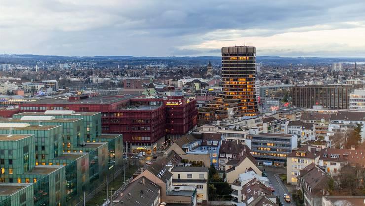 Macht den Banken das Leben schwer: Der Basler Ausschuss für Bankenaufsicht, mit Sitz im «BIZ-Turm» in Basel. keystone