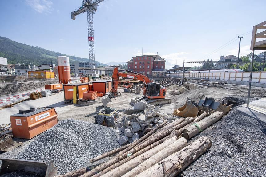 Der Baumeisterverband fordert, Infrastrukturprojekte wie zum Beispiel hier am Bahnhof Arth-Goldau voranzutreiben, um Verschuldung zu verhindern.