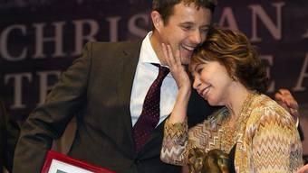 Kronprinz Frederik überreicht den Preis Isabel Allende