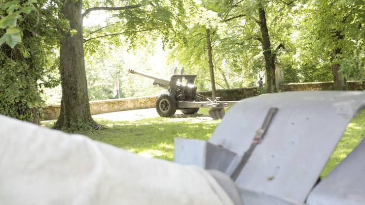 Hier werden die Kanonen von der Krummturmschanze abtransportiert