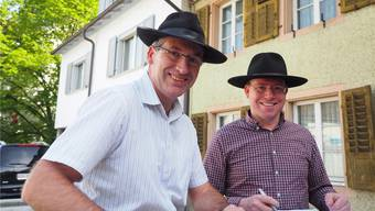 Der alte und der neue Mann mit Hut: Daniel Suter (links) und Fabian Friedli.