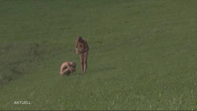 Nacktkünstler wehren sich gegen Busse