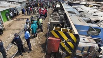 Der umgestürzte Güterzug nach dem Unglück in Nairobi