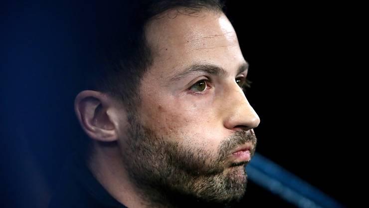 Domenico Tedesco muss seinen Platz als Trainer von Schalke nach den schlechten Resultaten der letzten Zeit räumen