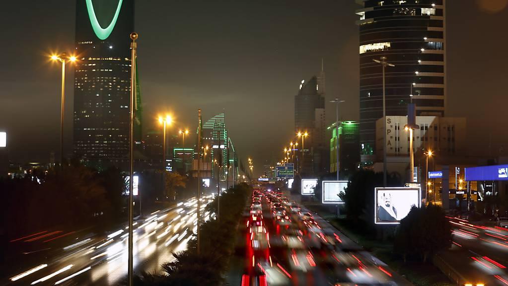 Das Königreich Saudi-Arabien will künftig Visa für Touristen ausgeben - ein historischer Entscheid in dem erzkonservativem Land. (Archivbild von Riad)