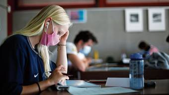 Die meisten Berufsschüler nehmen die Maskenpflicht ernst (Symbolbild).