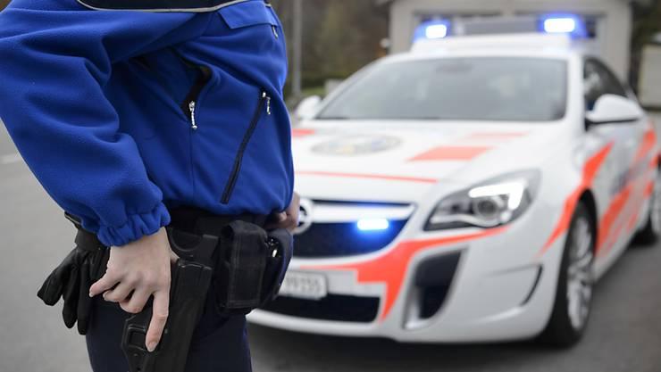Die Täterin zog dem Opfer Stichverletzungen am Oberkörper zu. (Symbolbild)