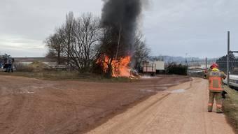 Lagerschuppen niedergebrannt