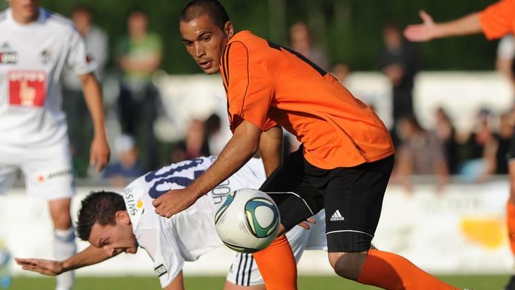 Der Wohlener Alex De Lima (r) im Zweikampf mit dem Luzerner Xavier Hochstarsser (l).  (Bild: Marcel Bieri)