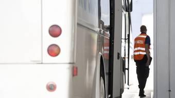 Die Zürcher Kantonspolizei hat eine Carkontrolle in Seuzach durchgeführt. Dabei ziehen sie eine positive Bilanz. (Symbolbild)