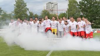 Im Juni feierten die Spieler des FC Dietikon ausgelassen den Aufstieg in die 1. Liga Classic. Nach der Sommerpause sind sie bereit, die neue Herausforderung anzunehmen.