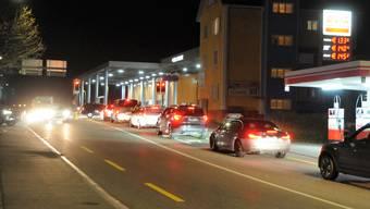 Stau am Grenzübergang Koblenz (16. März 2020)