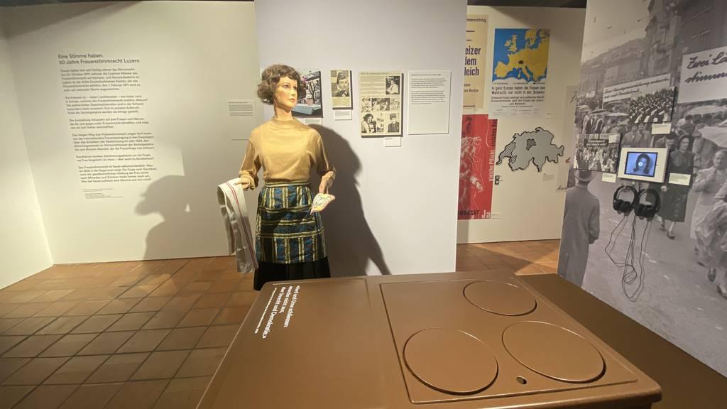 Ausstellung 50 Jahre Frauenstimmrecht