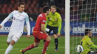 Mario Gavranovic (l.) trifft zum 1:0 gegen Thun.
