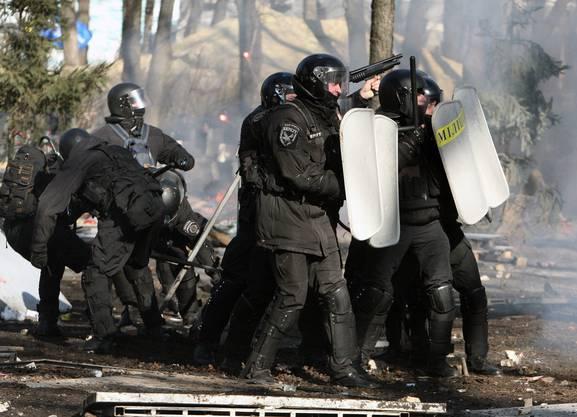 Neun Personen sind bisher bei Scharmützeln zwischen der Polizei und den Regierungsgegner umgekommen.