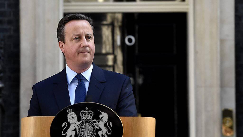 Der Premierminister hat hoch gepokert und sich verspekuliert: Cameron kündigte nach der Referendumsniederlage an, im Oktober von seinem Amt zurückzutreten.