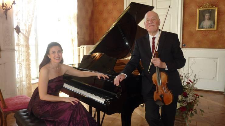 Die Pianistin Krisztina Wajsza und Violinist Hansheinz Schneeberger.