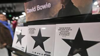 """Einen Erfolg wird David Bowie leider nicht mehr erleben: Mit grosser Sicherheit wird sein letztes Album """"Blackstar"""" an die Spitze der US-Album-Charts steigen (Archiv)."""