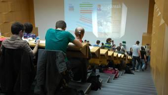 Studierende erhalten von der Gemeinde Eiken ein Stipendium. AZ/Archiv