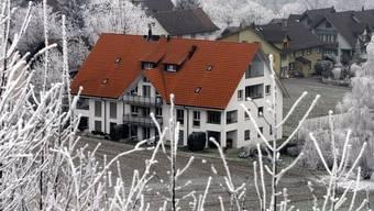 Ansicht des Mehrfamilienhauses, in welchem die Zwillinge 2007 getötet wurden (Archiv)
