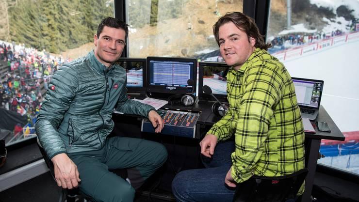 Stefan Hofmänner, Kommentator beim SRF, muss mit Experte Marc Berthod (rechts) derzeit wegen der Pandemie die Skirennen von Zürich aus analysieren. Beim RTS werden die Auslandeinsätze der Westschweizer Journalisten hingegen lockerer beurteilt.
