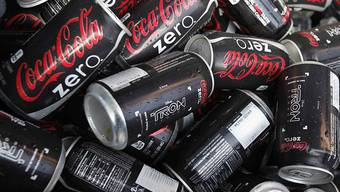 Coca Cola Zero Sugar und Kaffee bescheren dem Getränkeriesen Coca-Cola im ersten Quartal einen Gewinnsprung. (Symbolbild)