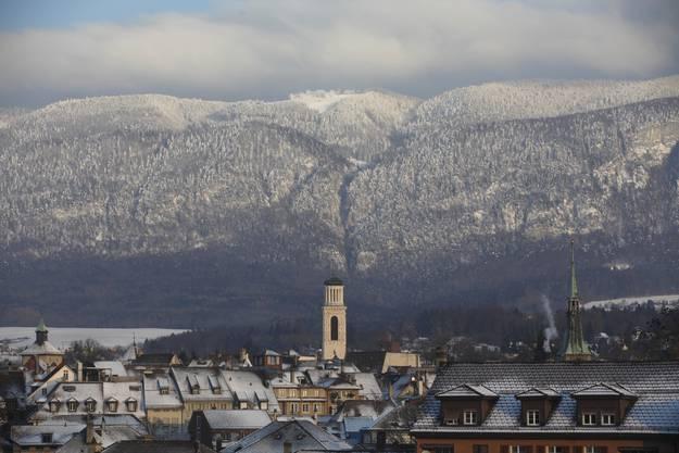 Blick auf das Kurhaus Weissenstein bei eisiger Kälte