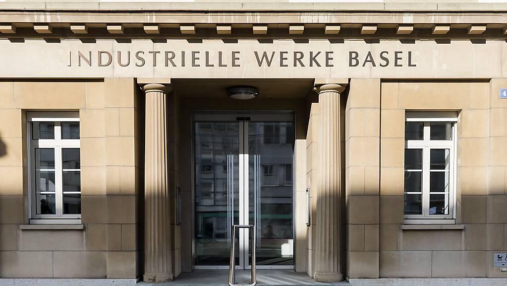 Privatkunden der Industriellen Werke Basel müssen nächstes Jahr für Strom mehr bezahlen.
