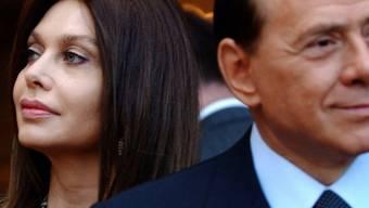 Veronica Lario und Silvio Berlusconi (Archivaufnahme von 2004)