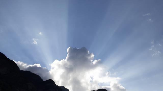 Mit der Internetnutzung wächst auch die Daten-Cloud (Symbolbild)