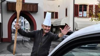 Felix Mühleisen vor seinem Café Mühleisen
