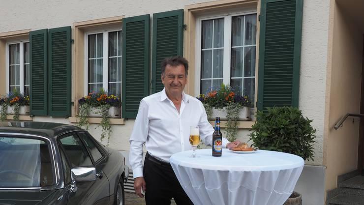 «Dinner for One» für Peter Jegge an seinem 70. Geburtstag.
