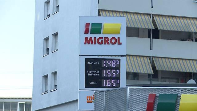 Zwei Tankstellen innert weniger Stunden überfallen – derselbe Täter?