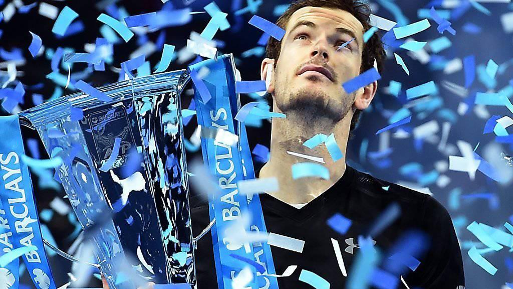 Andy Murray wird in London gefeiert. Dank des Finalsieges am Masters gegen Novak Djokovic bleibt der Brite die Nummer 1 in der Weltrangliste