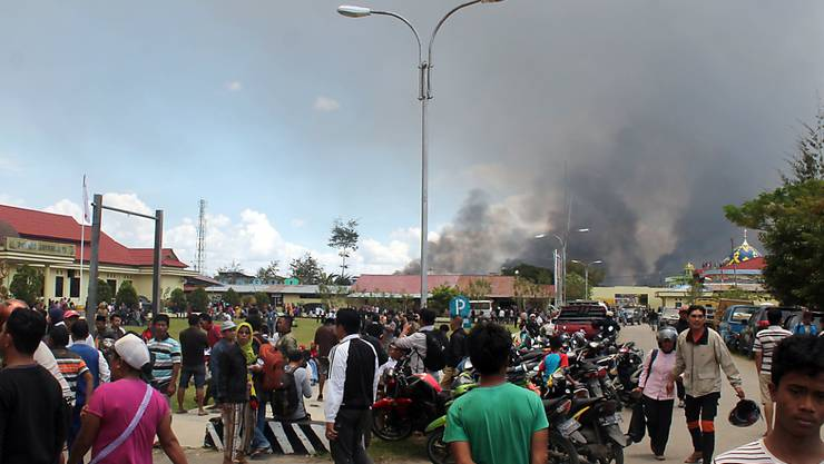 In Wamena hatten Demonstranten Gebäude in Brand gesetzt. Anlass für die Unruhen waren rassistische Kommentare.