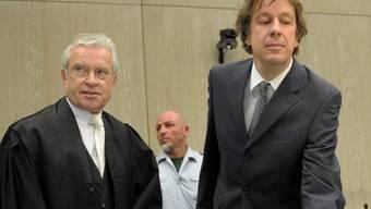 Jörg Kachelmann (rechts) mit neuem Verteidiger Johann Schwenn