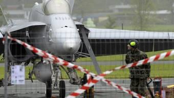 Die F/A-18 kann technisch weitgehend nur das, was die USA wollen, dass sie es kann.