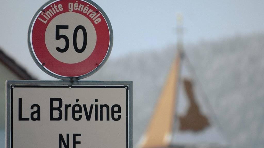 La Brévine im Neuenburger Jura macht vor allem im Winter mit Kälterekorden von sich reden - nun wurden hier auch im Juli Minusgrade gemessen. (Archiv)