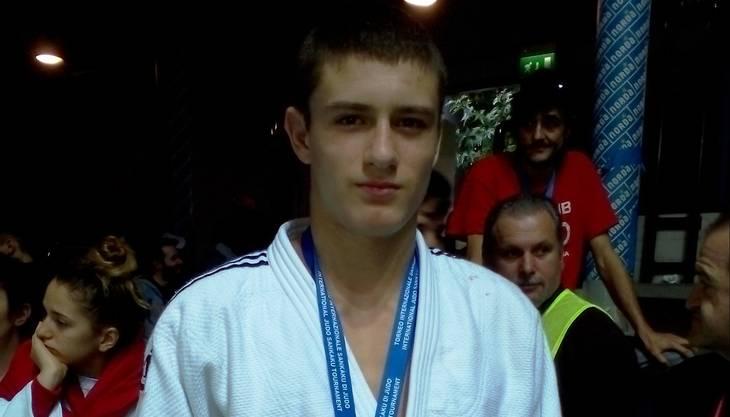 David Vavrecka vom Judo Sport Liestal als stolzer Bronzemedaillen Gewinner!