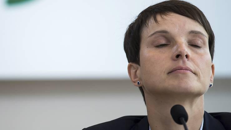 Dresdens Staatsanwaltschaft hat Anklage gegen Frauke Petry wegen Meineids erhoben (Archiv)