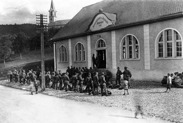 Gebenstorf - Gemeindehaus und Turnhalle Landstrasse 1912