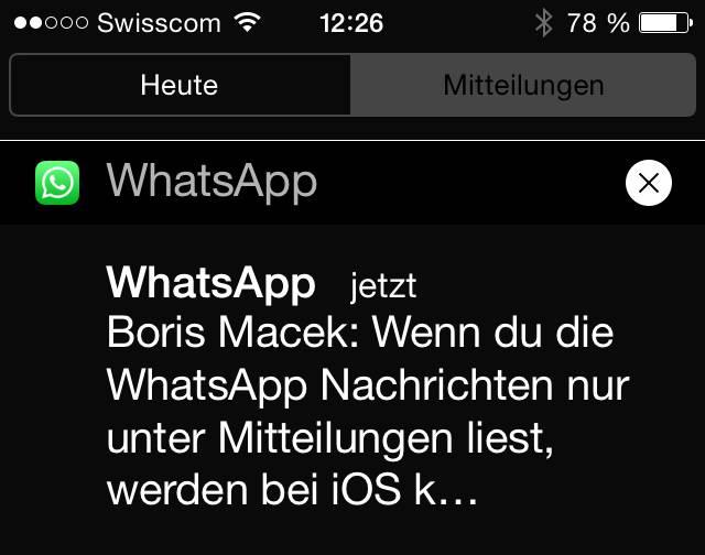 Solange WhatsApp Nachrichten nur unter Mitteilungen gelesen werden, wird bei iOS - im Gegensatz zu Android - keine Lesebestätigung versendet. Allerdings funktioniert das nur für kurze Nachrichten, wie das Beispiel zeigt.
