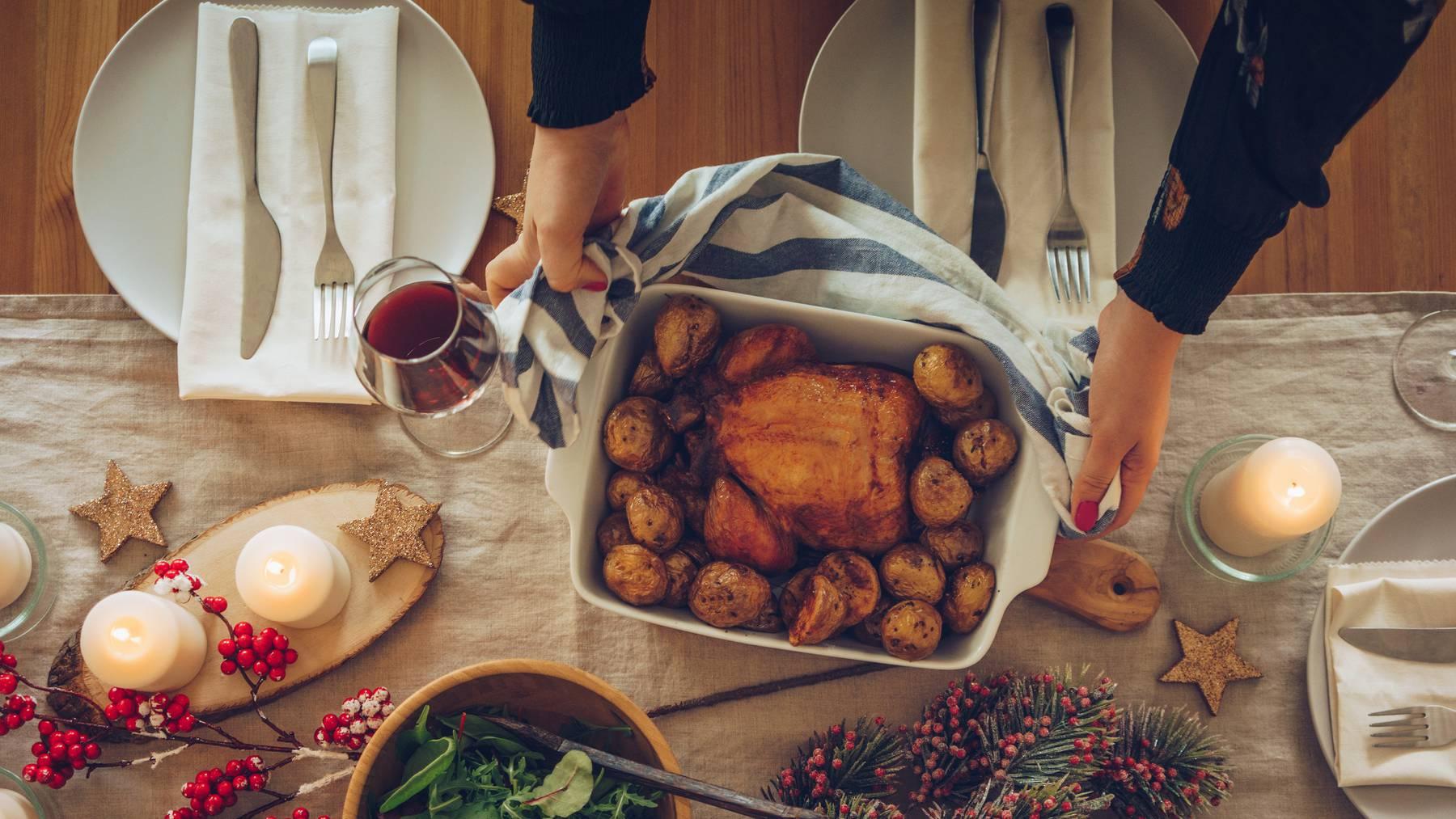 Das kommt in den verschiedenen Ländern an Weihnachten auf den Teller.