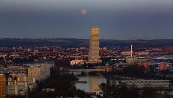 Basel lärmt neu länger. (Archiv)