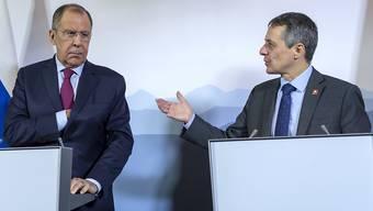 Aussenminister Ignazio Cassis mahnte seinen russischen Amtskollegen Sergei Lawrow am Mittwoch in Genf zu Zurückhaltung im Konflikt mit der Ukraine auf.