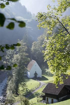 Dorfgenossen bauten Niklaus von Flüe im Ranft eine Kapelle. Key