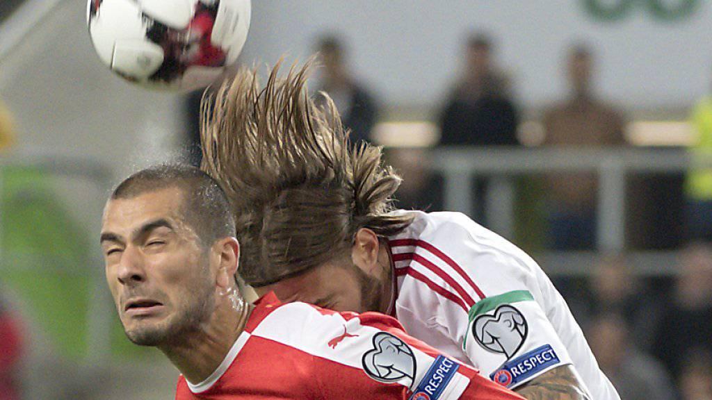 Eren Derdiyok (hier im Spiel gegen Ungarn) steht gegen die Färöer in der Startformation